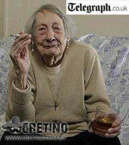 Velhinha chegou aos 100 anos bebendo e fumando